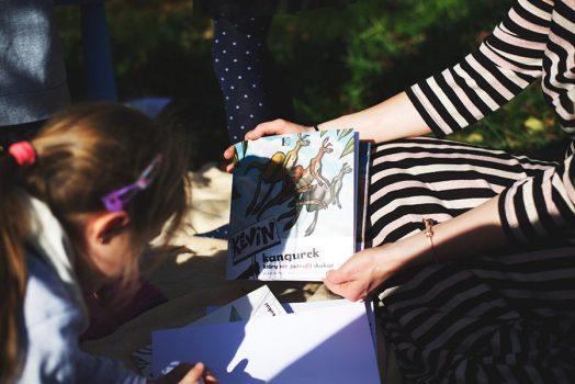 kevin-the-kangaroo-book-mother-girl